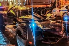 Siêu xe Người Dơi Batman bị cảnh sát Nga tạm giữ khi đang dạo phố đêm