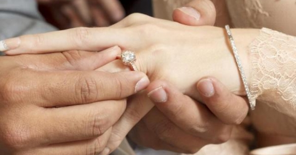 Ngao ngán khi biết lý do nhẫn cưới của vợ biến mất, ai lấy vợ khổ như tôi