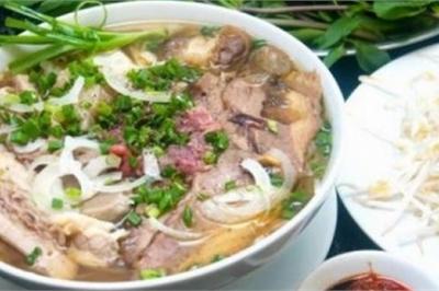 Bánh đúc, phở Lệ có thâm niên lâu đời, nổi tiếng ở Sài Gòn