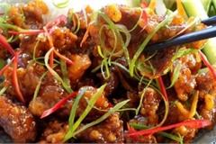 Thịt heo chiên giòn sốt chua ngọt món ngon dễ làm, cả nhà ăn nhớ mãi