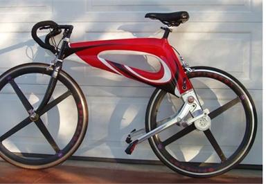 Độc đáo chiếc xe đạp không dây xích chạy bon bon