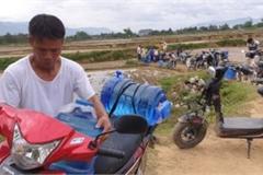 Điện Biên: Mó nước 'thần kỳ' hàng trăm người xếp hàng lấy mỗi ngày
