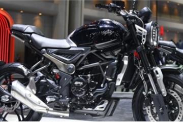 Cận cảnh mô tô 300cc đến từ Thái Lan, giá chỉ 71 triệu đồng