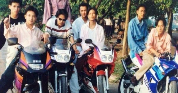 """Phát sốt bộ ảnh chơi môtô """"khét tiếng"""" của nam thanh nữ tú Hà Thành một thời"""