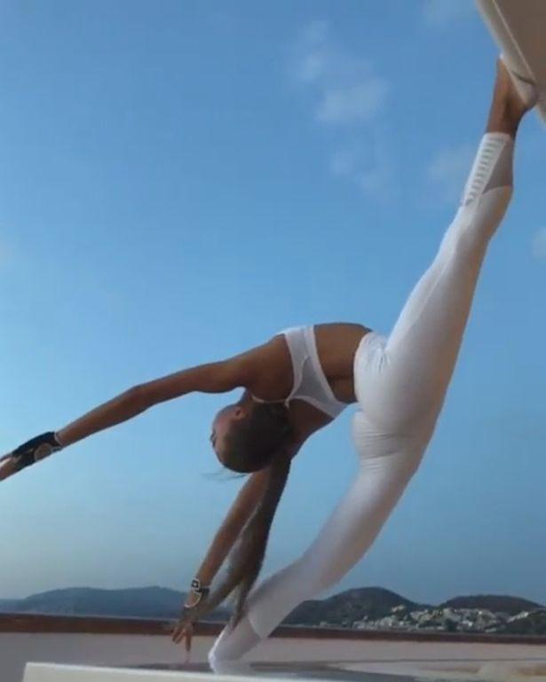 tan hoa hau ukraine va tu the yoga tuyet dep khien fan ngan ngo hinh anh 3