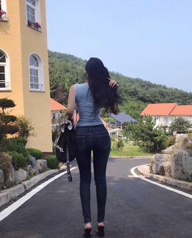 """khong can ho hang, chi mac jean 3 co gai han cung khoe duoc duong cong """"than thanh"""" hinh anh 17"""