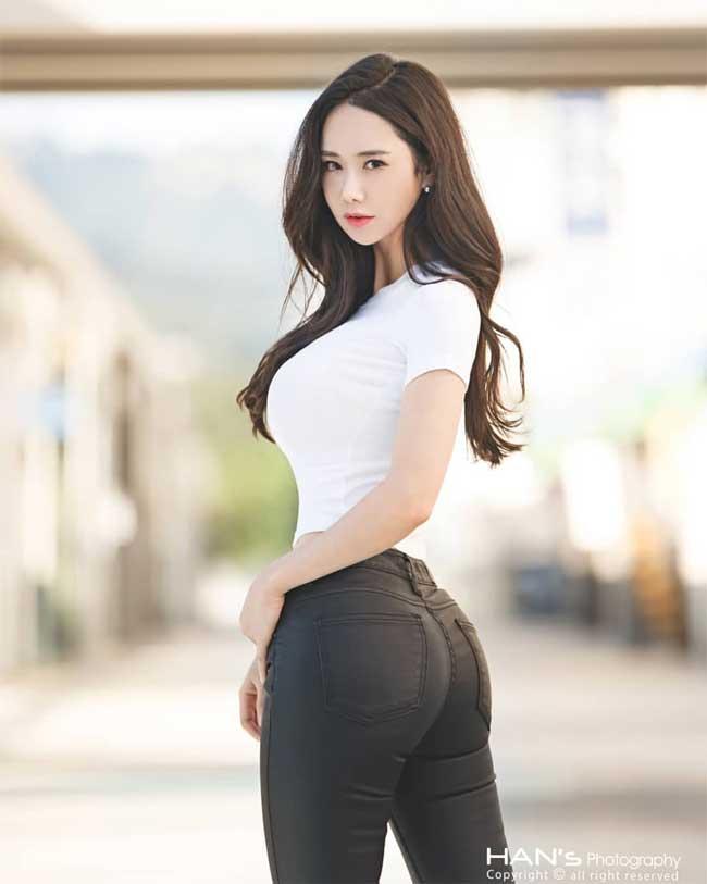 """khong can ho hang, chi mac jean 3 co gai han cung khoe duoc duong cong """"than thanh"""" hinh anh 2"""