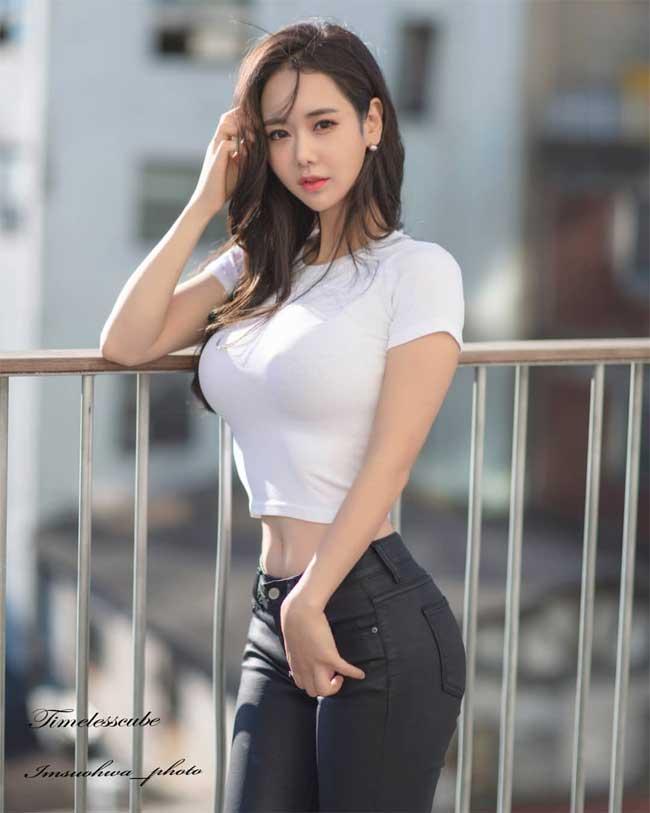 """khong can ho hang, chi mac jean 3 co gai han cung khoe duoc duong cong """"than thanh"""" hinh anh 3"""