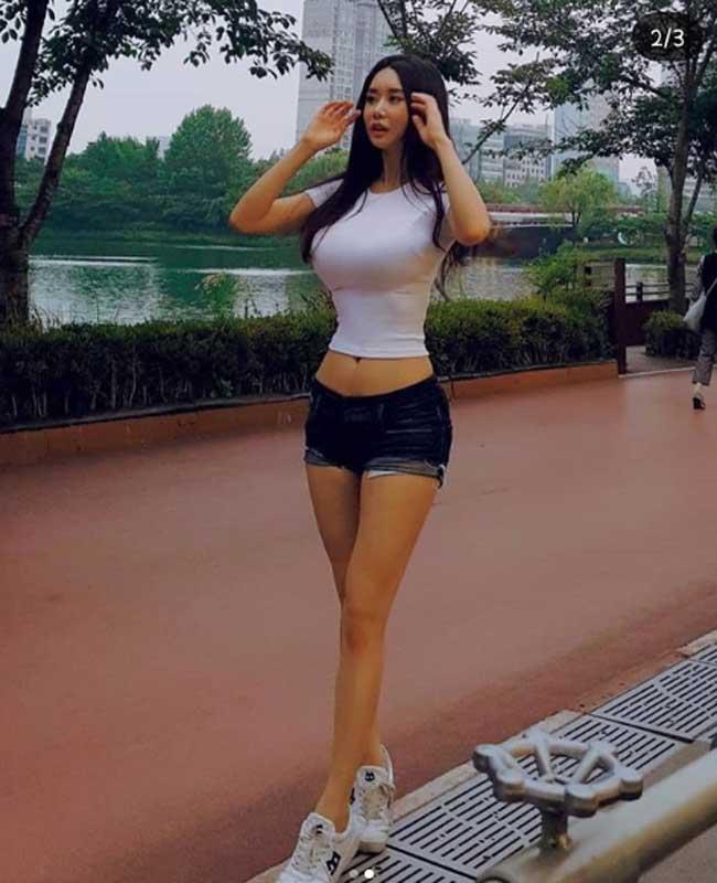 """khong can ho hang, chi mac jean 3 co gai han cung khoe duoc duong cong """"than thanh"""" hinh anh 14"""