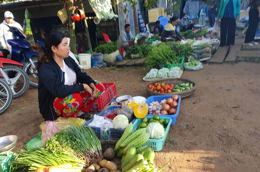 Chợ 'chồm hổm' độc đáo ở An Giang, họp chỉ 1 tiếng là 'giải tán' 157340573656419-3-1573405737-width1000height664