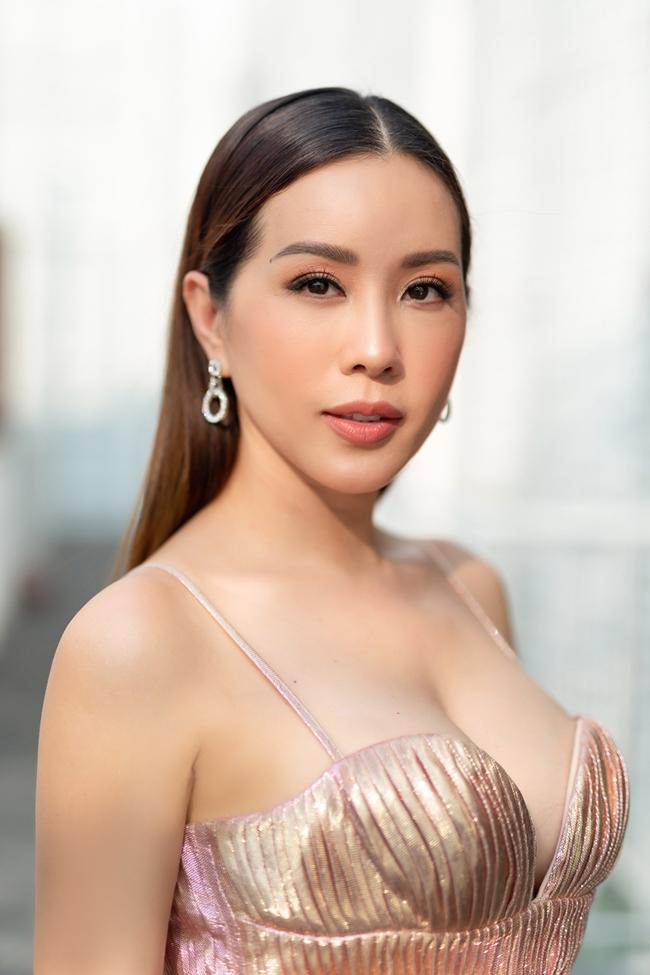 "3 nu dai gia ""choi ngong"" nhat viet nam dan than showbiz, nong bong va giau co co nao? hinh anh 18"