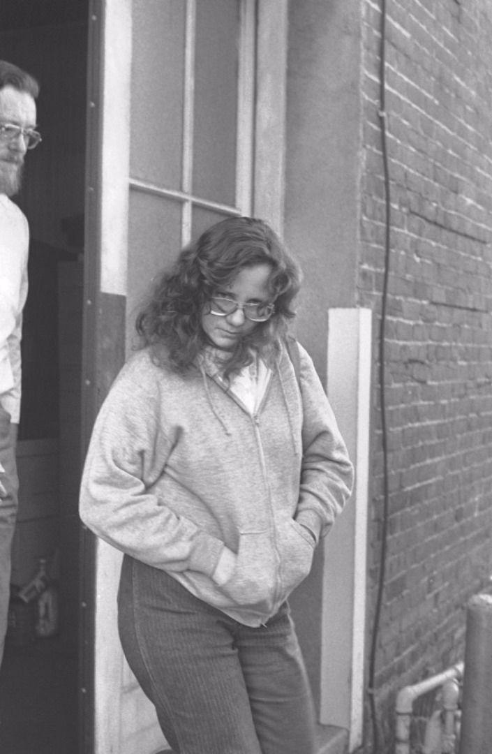 7 năm kinh hoàng của thiếu nữ xinh đẹp bị bắt cóc và nhốt trong hộp: Bức ảnh khỏa thân