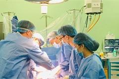 'Hồi sinh' trái tim có bệnh lý phức tạp, cứu sống bệnh nhi sơ sinh nặng 1,5 kg