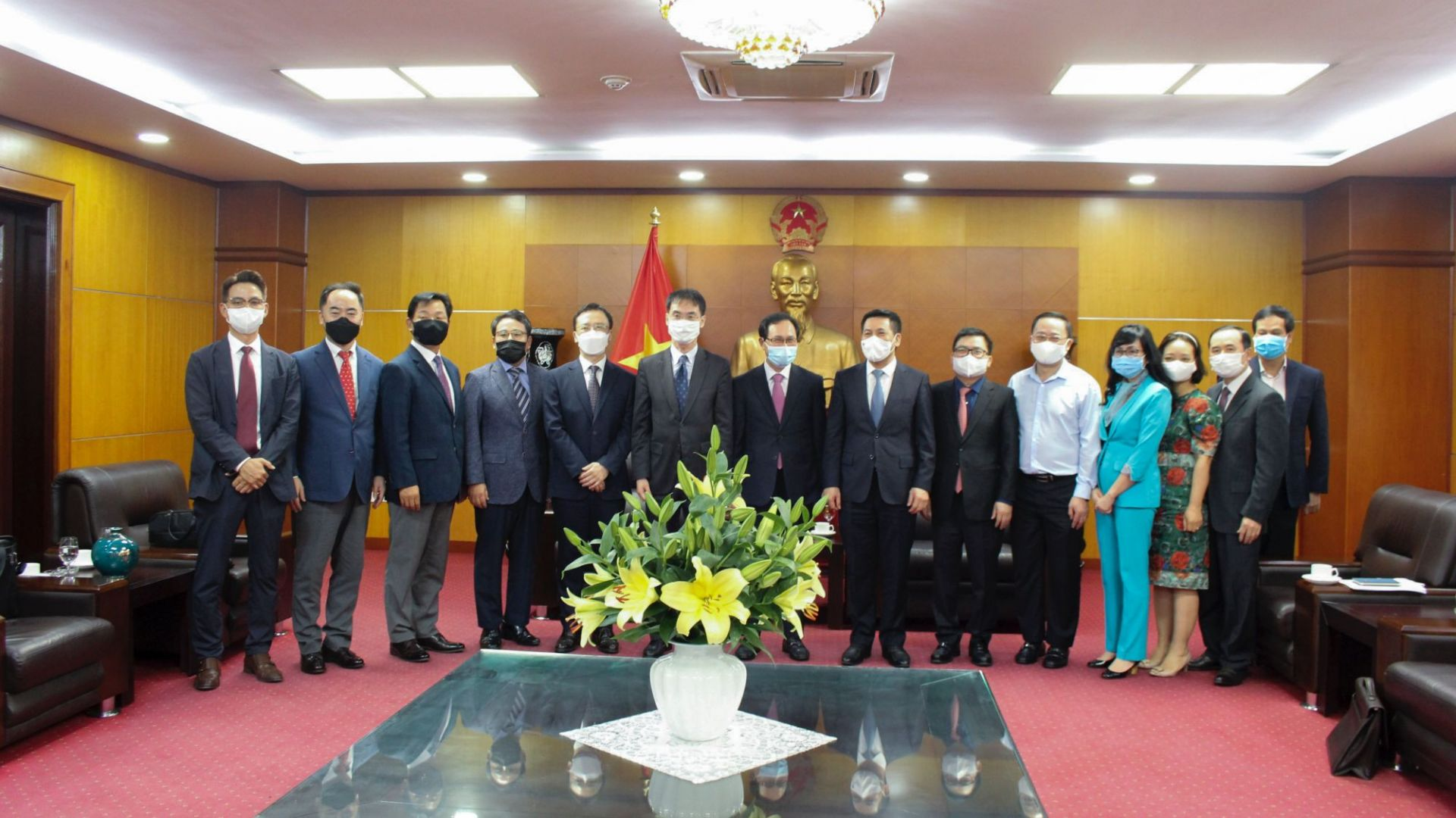 Bộ trưởng Nguyễn Hồng Diên tiếp và làm việc với lãnh đạo Tổ hợp Samsung tại Việt Nam
