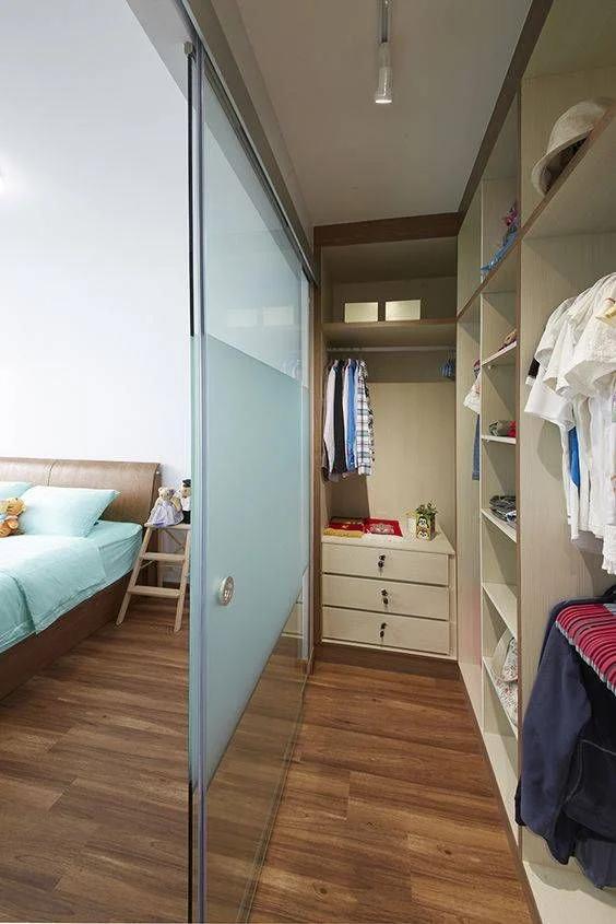 Gợi ý 5 mẫu phòng thay đồ cực xịn cho phòng ngủ nhỏ ai cũng thích mê