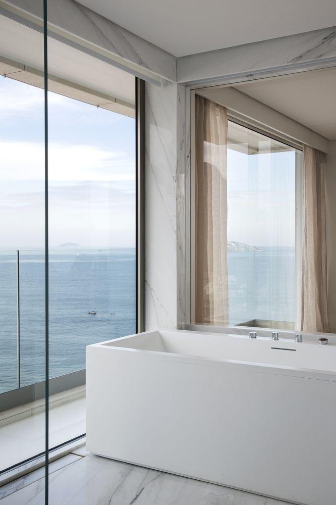 Căn hộ đẹp với tường kính, view đẹp không góc chết khiến ai cũng muốn đến ở