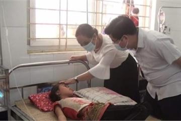 56 học sinh nhập viện sau bữa ăn