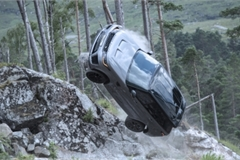 Hé lộ những cảnh nhào lộn của Range Rover Sport SVR trong Điệp viên 007