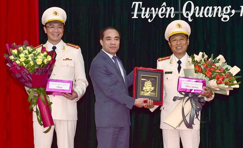 Đại tá Phạm Kim Đĩnh được bổ nhiệm làm Giám đốc Công an Tuyên Quang - Ảnh 2.