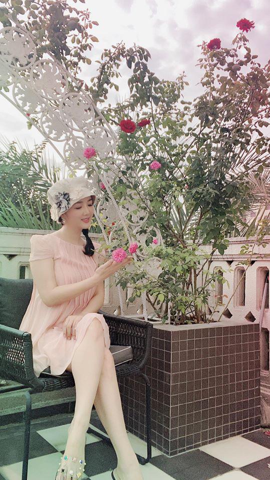 Hoa hậu Giáng My trồng rau và hoa quanh biệt thự trong lúc ở nhà trốn Covid-19 - Ảnh 7.