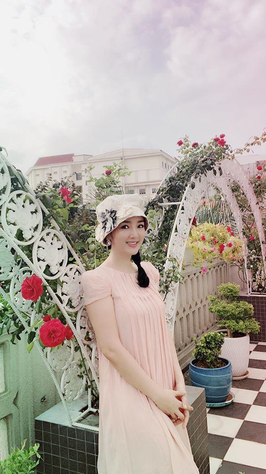 Hoa hậu Giáng My trồng rau và hoa quanh biệt thự trong lúc ở nhà trốn Covid-19 - Ảnh 14.