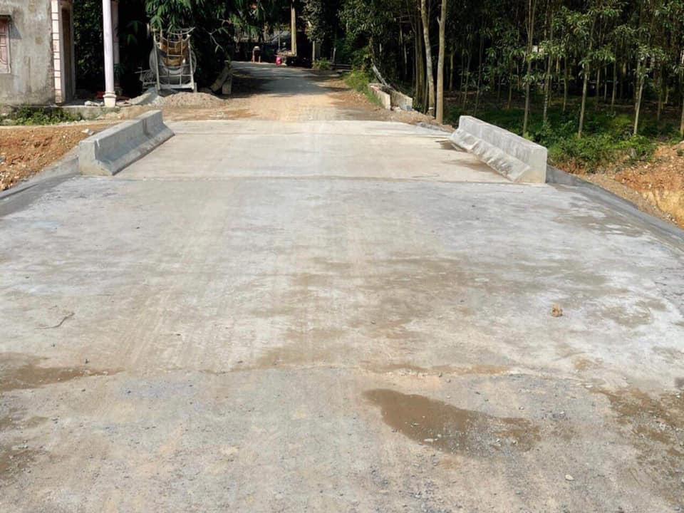 Thuỷ Tiên khánh thành 2 cây cầu hư hỏng do lũ lụt, chính thức kết thúc dự án hỗ trợ miền Trung - Ảnh 4.