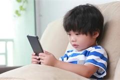 Phì cười với loạt tin nhắn đầu tiên giữa con cái và bố mẹ