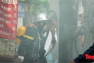 Cháy khách sạn phố Lương Ngọc Quyến, giải cứu gần 30 người