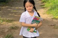 Bé gái thôn quê cắp sách tới trường khiến ai nấy ngẩn ngơ vì quá đỗi dễ thương