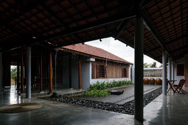 Chán nhà tầng, vợ chồng Việt xây nhà 2.000m2 như nhà địa chủ-9