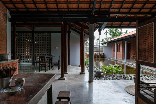 Chán nhà tầng, vợ chồng Việt xây nhà 2.000m2 như nhà địa chủ-11
