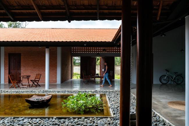 Chán nhà tầng, vợ chồng Việt xây nhà 2.000m2 như nhà địa chủ-13