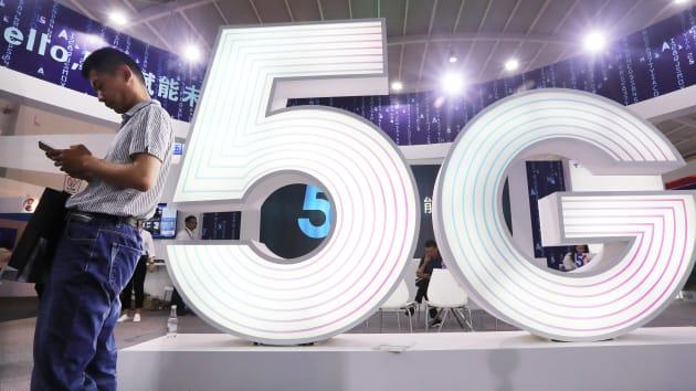 Vì sao smartphone 5G chưa phổ biến?
