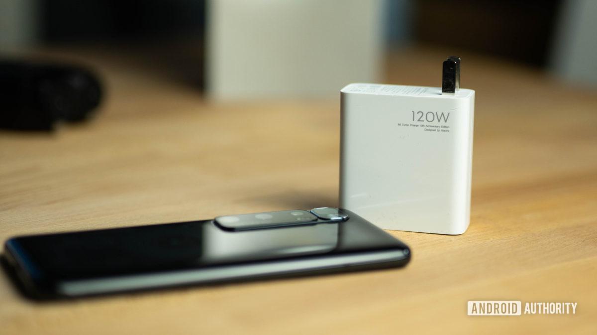 Sự phát triển của công nghệ sạc siêu nhanh đã thay đổi cách chúng ta sạc lại điện thoại như thế nào?