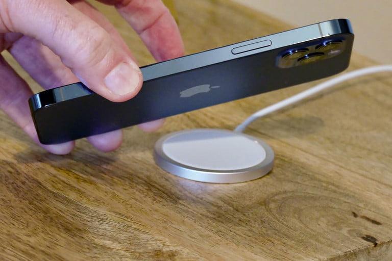 Apple MagSafe hiện vẫn chỉ là một công nghệ nửa vời, nhưng điều đó sẽ thay đổi trong tương lai gần