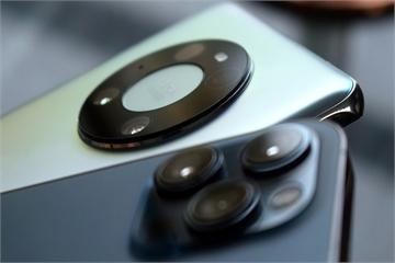 Vì sao camera trên smartphone ngày càng lồi?