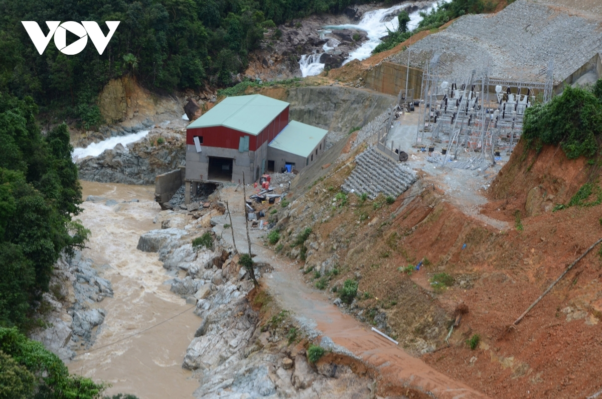 An overview of the landslide site that has hit Rao Trang 3 Hydropower Plant