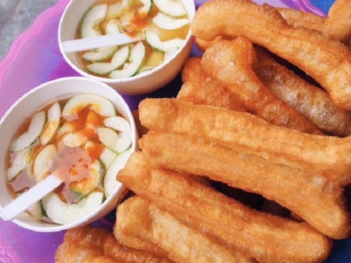 Quay, cruller, is a leading dish in Hanoi.