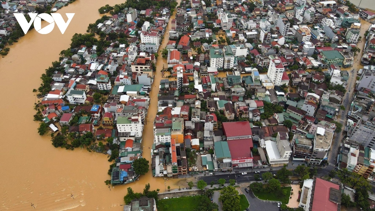 Many areas throughout Hue have been left submerged due to floodwater rising each day.