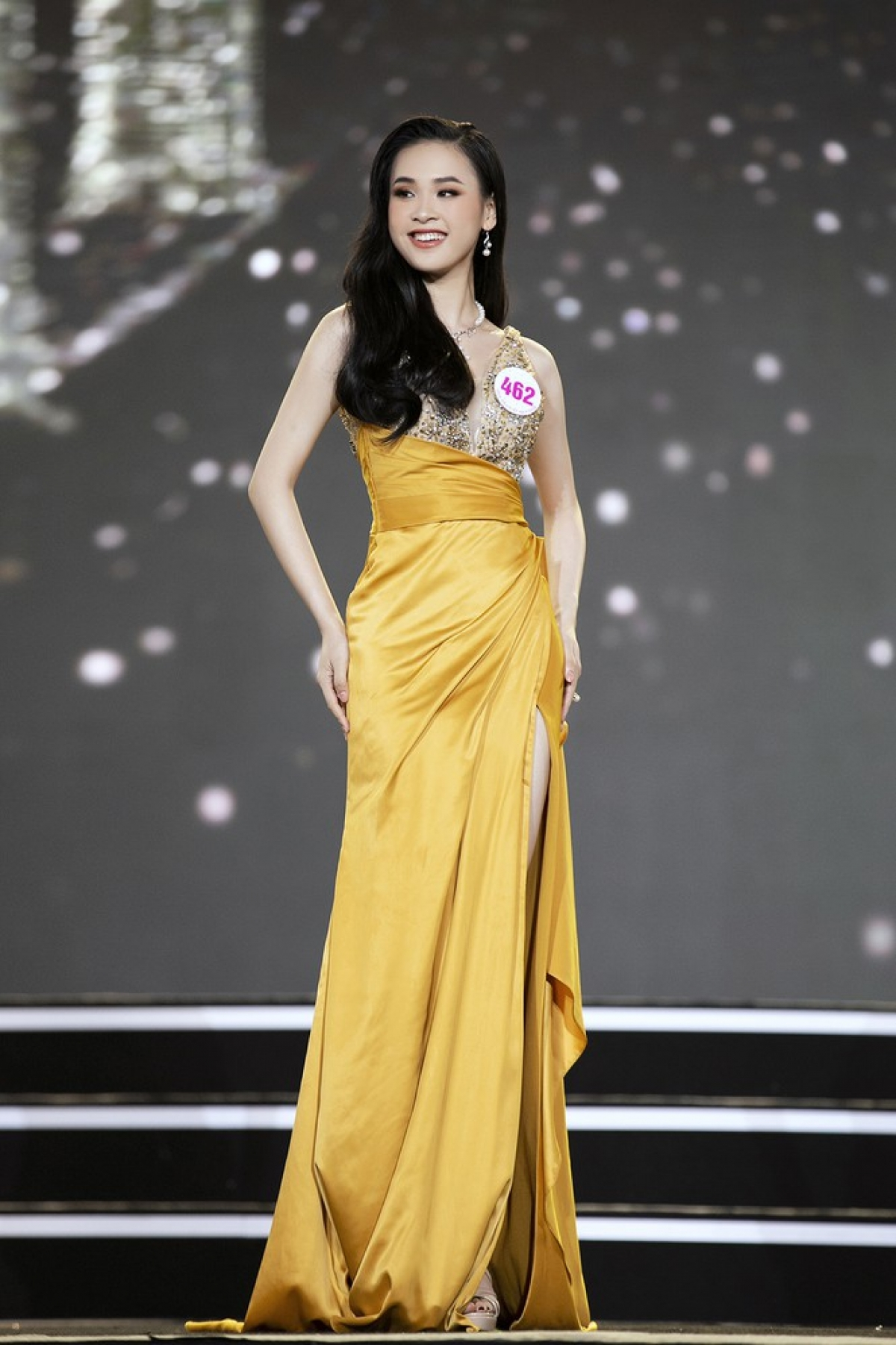 Nguyen Thao Vi from Hoa Binh province stands at 1.66 metres tall and measures 78-62–84.