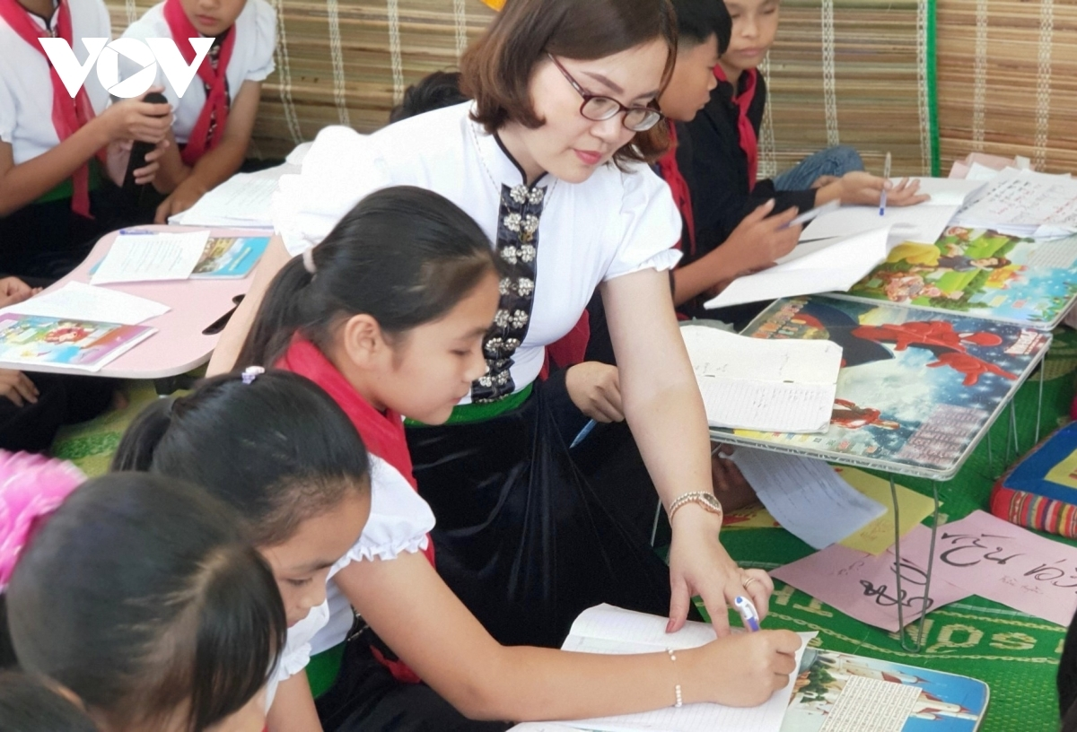Dang Thi Hong Anh, principal of the Hoang Van Thu primary and secondary school in Nghia Lo town, says most of the students are eager to study in order to discover their culture and learn to preserve it.