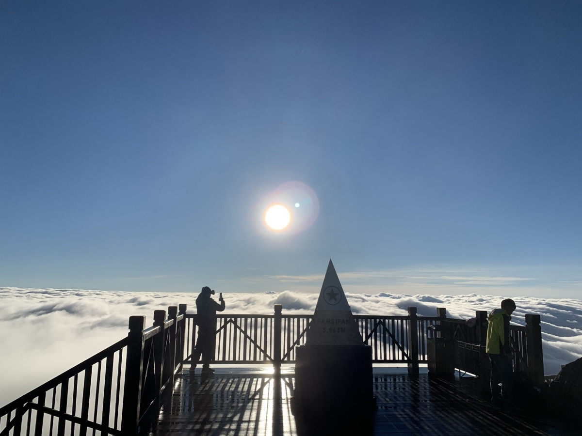 Climbing to the peak of Fansipan mountain and taking memorable photos proves to be an exciting experience for visitors.