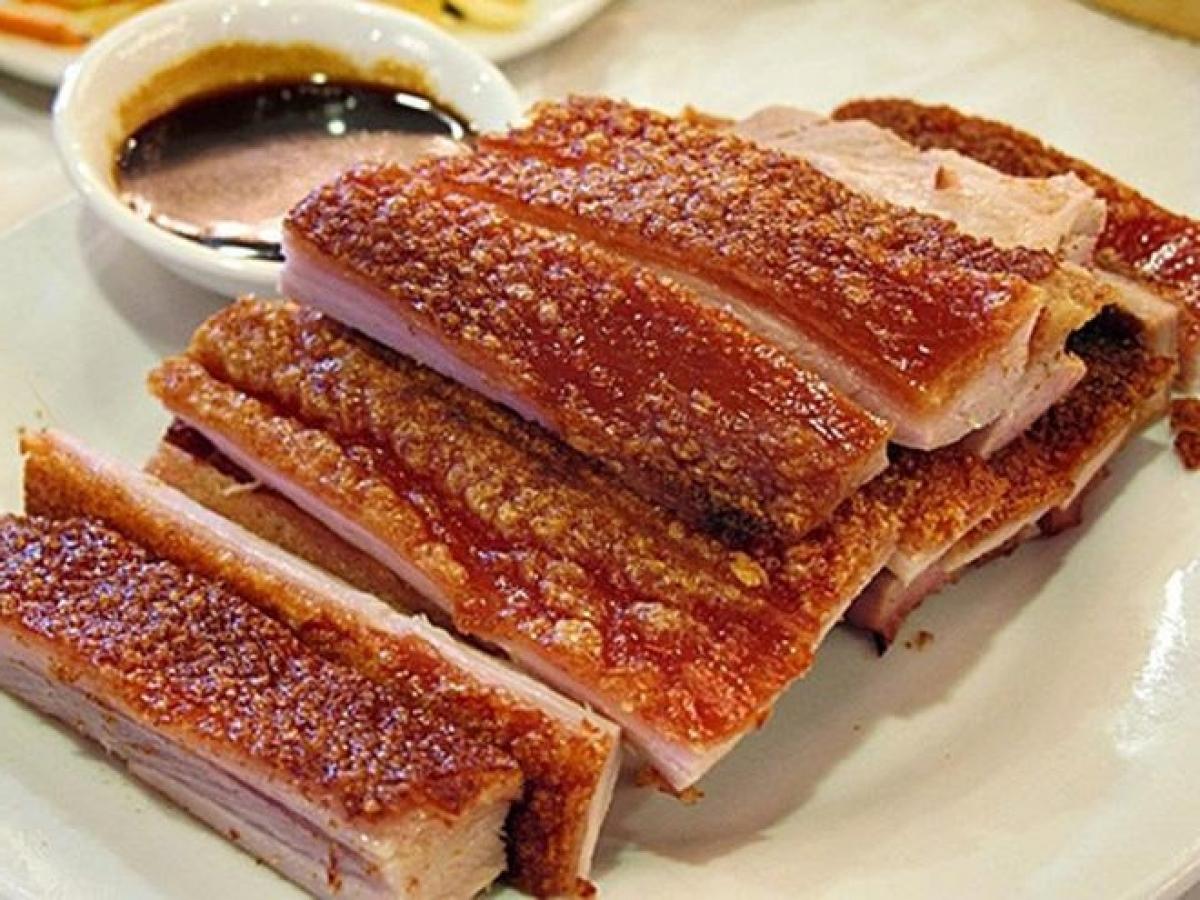 Thịt chiên vỏ ngoài giòn rụm, bên trong thơm ngọt (Ảnh: vietfoodshop)