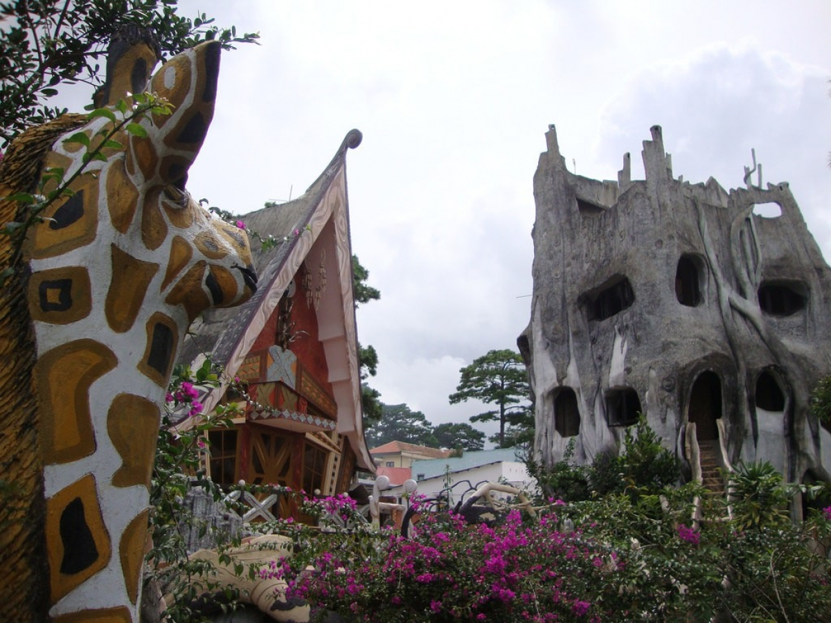 Crazy House in Da Lat partially features innovative architecture whilst also providing a psychedelic experience for visitors. Home to tight stairways and steep drops, visitors should keep a clear mind throughout their visit for their own safety.