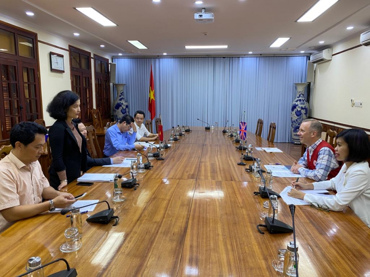 Both sides also discuss co-operation in the fields of tourism, human trafficking combat, and efforts to clear areas of bombs and mines that were left in previous conflicts.