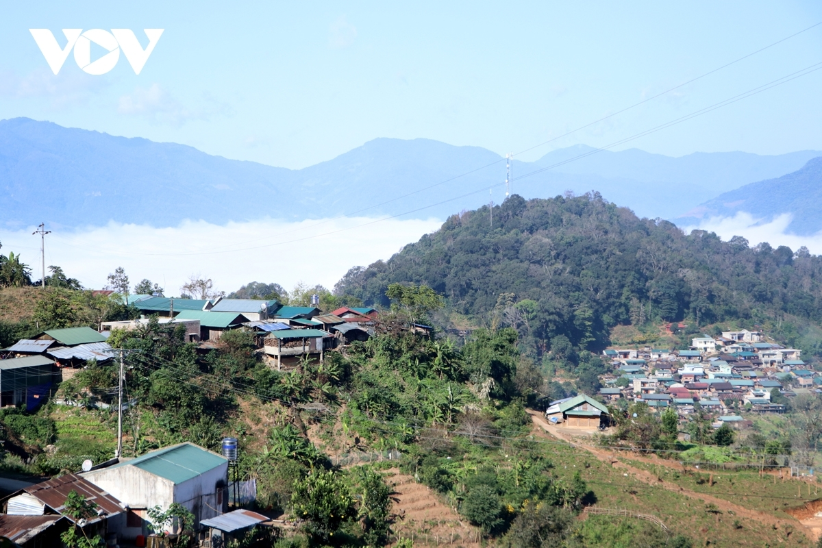 The Ha Nhi live in the border communes of Ka Lang, Ta Ba, Thu Lu, and Mu Ca, in the watershed area of the Da River.