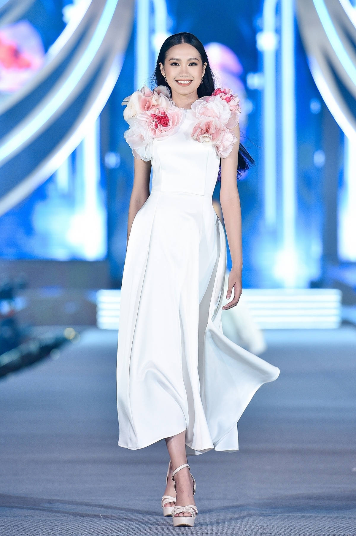 The fashion collection draws inspiration from peony and daisy flowers.