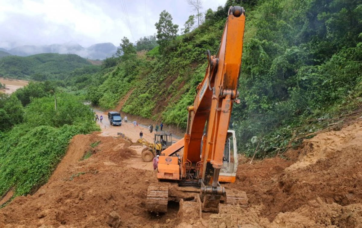 An area of Dong Giang district in the central province of Quang Nam is recovering from the recent impact of landslides.