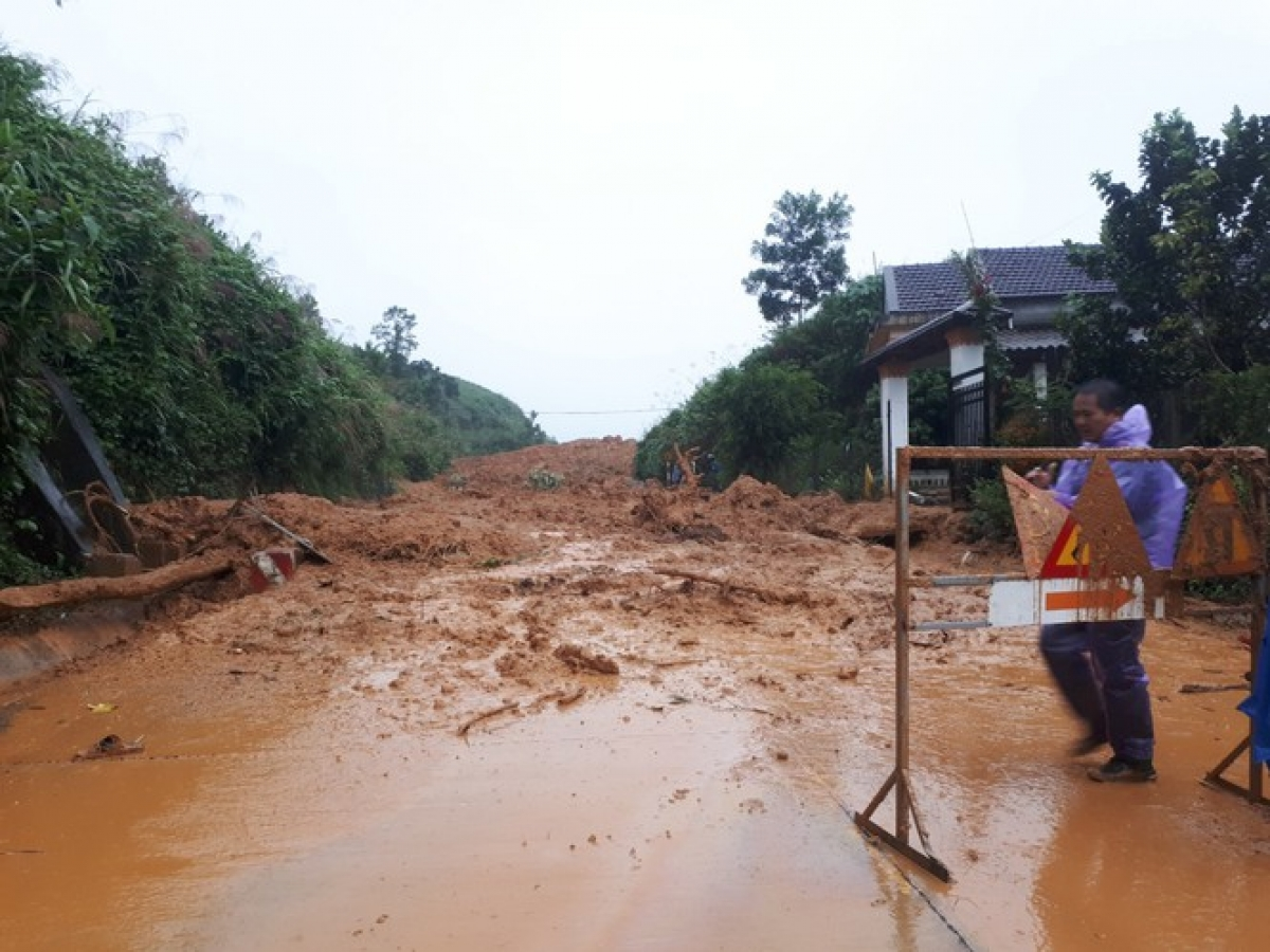 In Quang Ngai province roads leading towards mountainous districts are damaged by landslides.