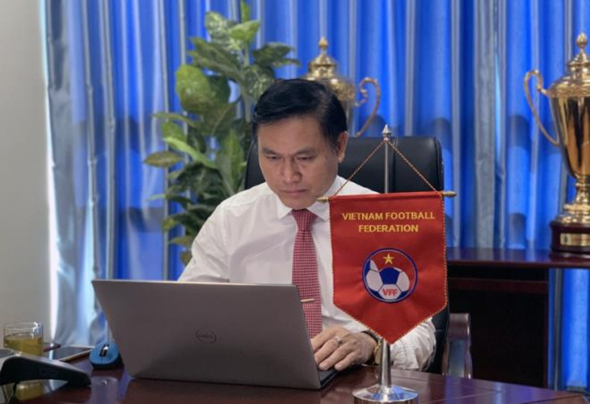 Tran Anh Tu,headof the Vietnam Football Federation's FutsalDepartment and member of the AFC's Futsal and Beach Soccer Committee, attends the online meeting.